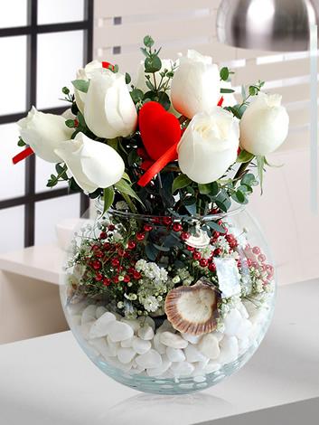 Cam Fanusta Beyaz Güller,manisada çiçekçilik